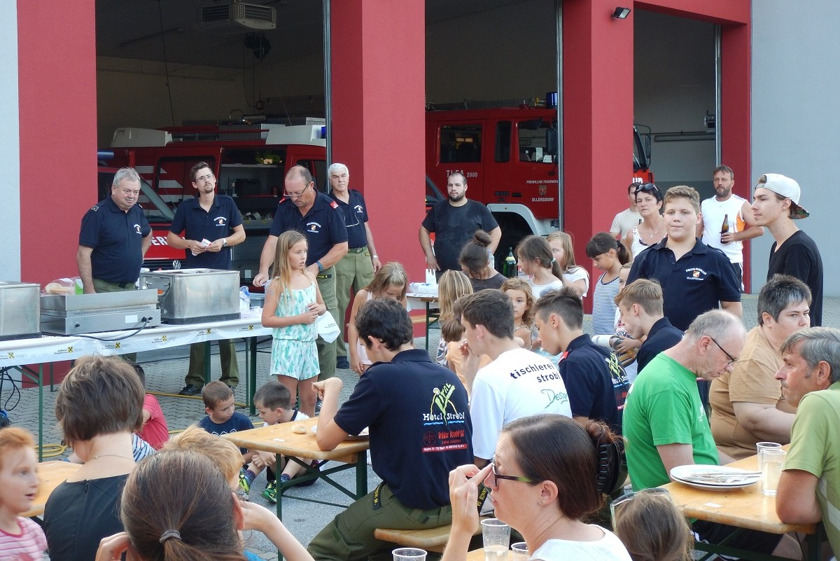 Grillfest bei der Freiwilligen Feuerwehr Ollersdorf